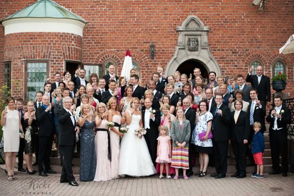 Alla önskar en bild på sig själv tillsammans med bruden, vi tog en gruppbild!
