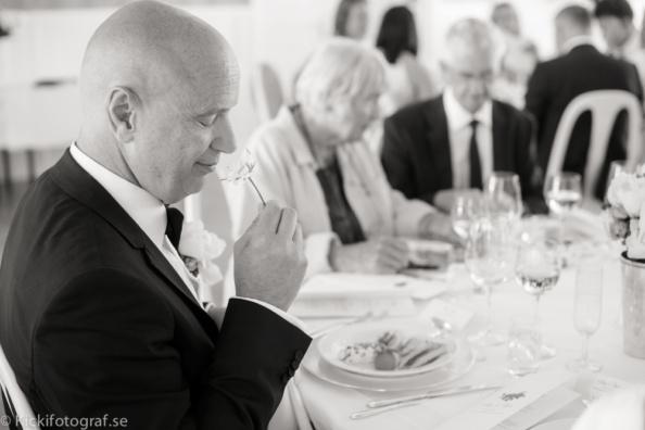_DSC2887_ernest_young_kicki_fotograf_nikon_leica_portra_jarvsobaden_contryside_hotel_hast_vagn_halsingland_landet_sverige_brollop_wedding_summer_sommar_love_