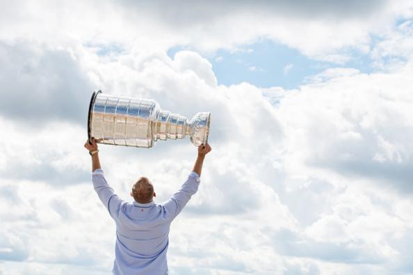 _DSC9146-2_nhl_stanley_cup_trophy_patric_hornqvist_malin_hornqvist_pittsburgh_penguins_mambofilm_kicki_fotograf_cecilia_hulphers_calle_eriksson_lars_broms_nikon_d4s_leica_portra